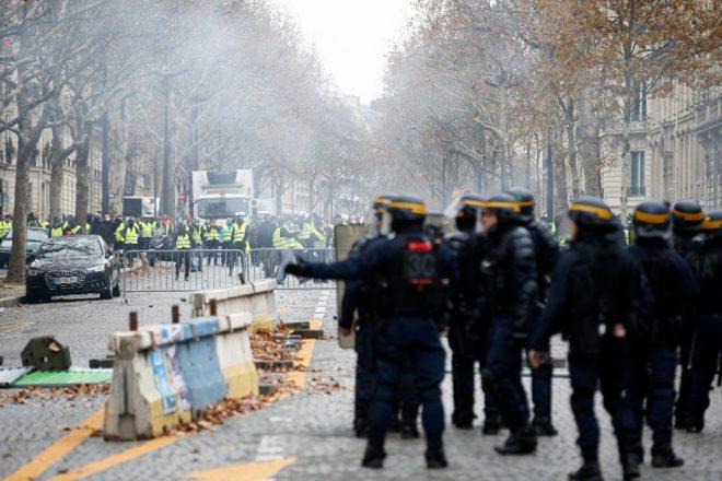 paris-gosteri-reuters4