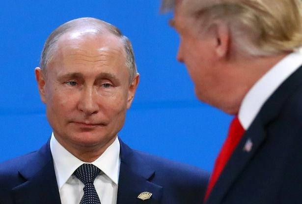 Baba Vanga'nın kehanetlerini aktaran uzmanlara göre Putin ve Trump 2019'da zor günler geçirecek.