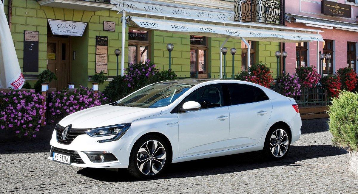 renault-megane_sedan-2017-1600-06-kopya