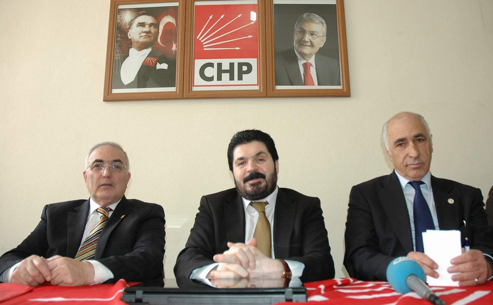 FOTO:İHA - Savcı Sayan, 2015 yılına kadar CHP saflarında siyaset yapmıştı.