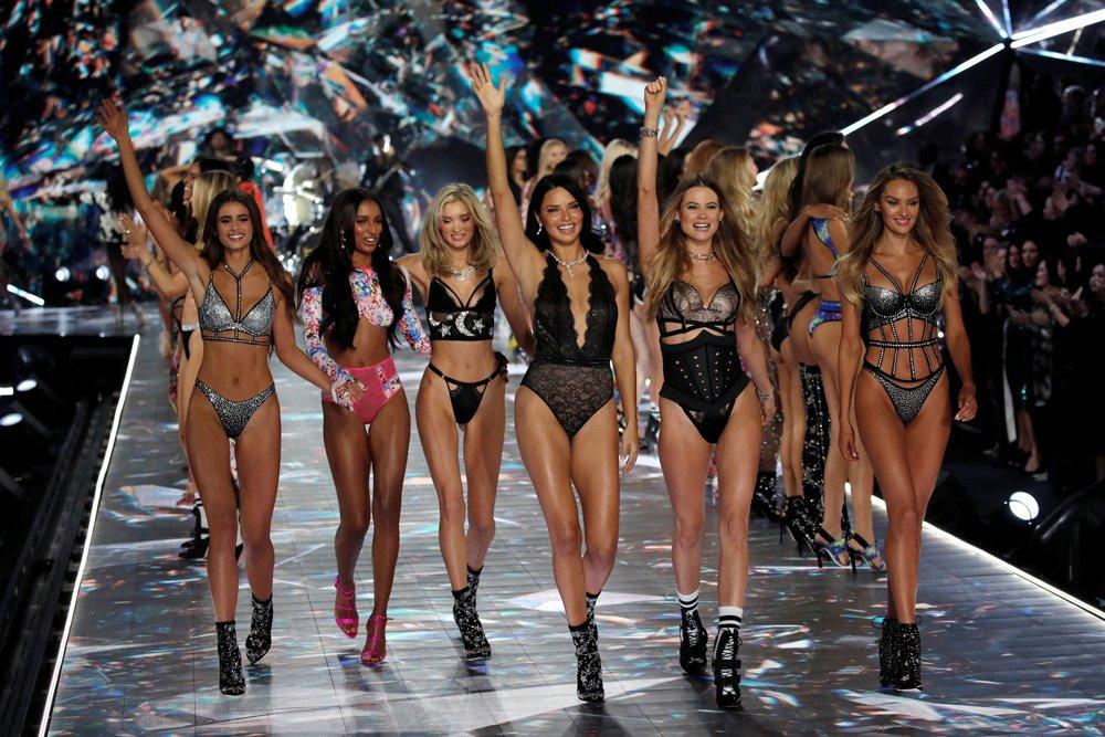 Victoria's Secret Fashion Show'un git gide düşüşe geçtiği konuşuluyor...