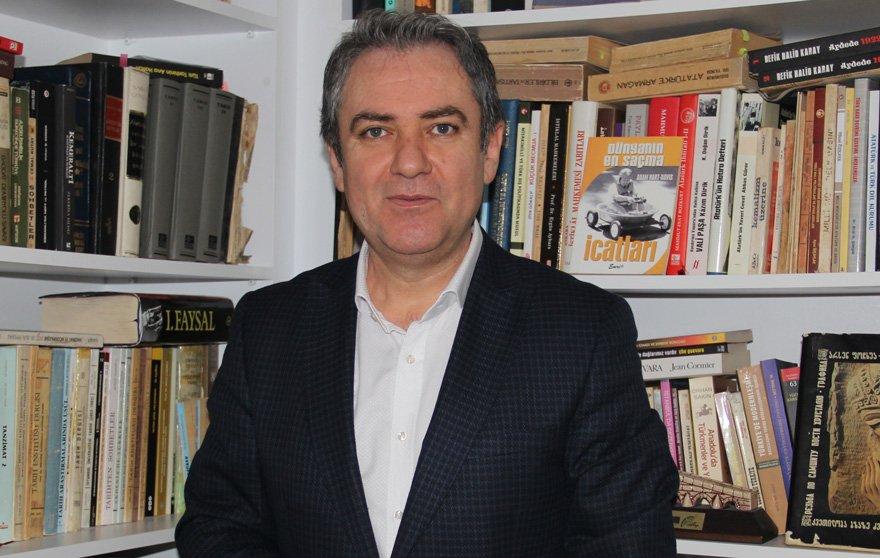 Meydan, kitabında Atatürk eğitim devrimini anlatıyor.