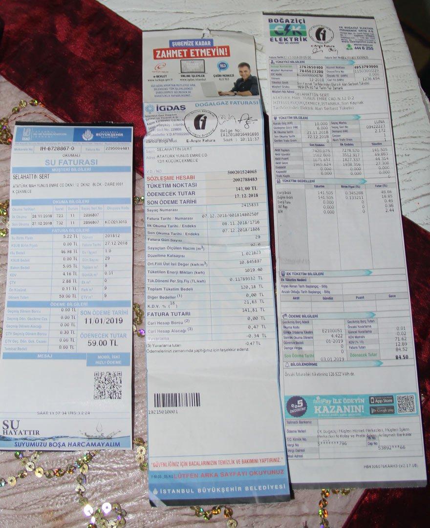 """284.5 TL FATURA BORCU Sert Ailesi'ne, aralık ayında 141 TL doğalgaz, 59 TL su, 84.5 TL elektrik faturası geldi. Aile faturalara 284.5 TL ödedi. Selahattin Sert, """"Faturaları ve taksitleri ödeyince maaştan 900 lira kalıyor"""" dedi."""