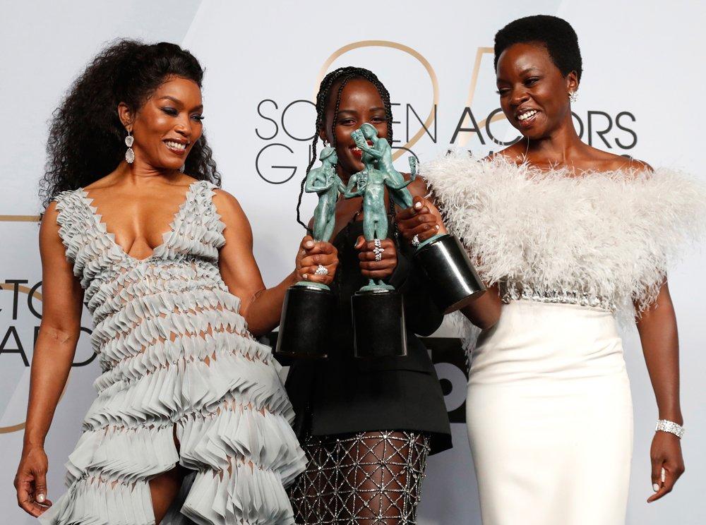 Kara Panter filminin üç kadın oyuncusu Angela Bassett, Lupita Nyong'o, Danai Gurira...