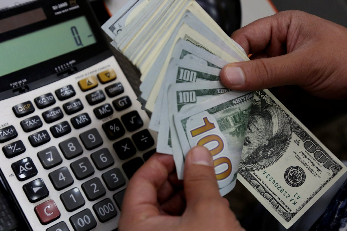 dolar111-reuters