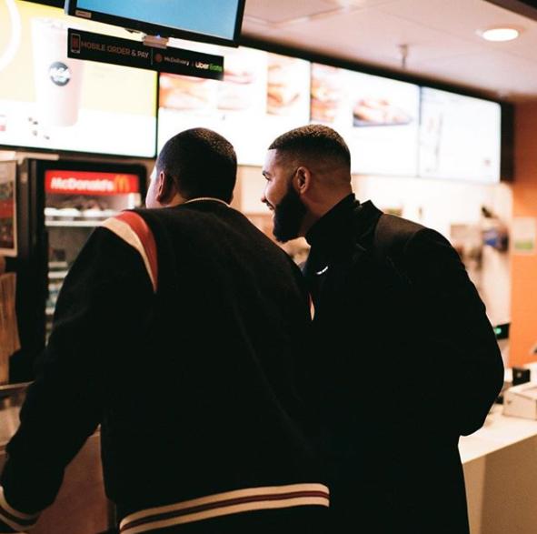 Drake sosyal medyada bu kareyi paylaştı.