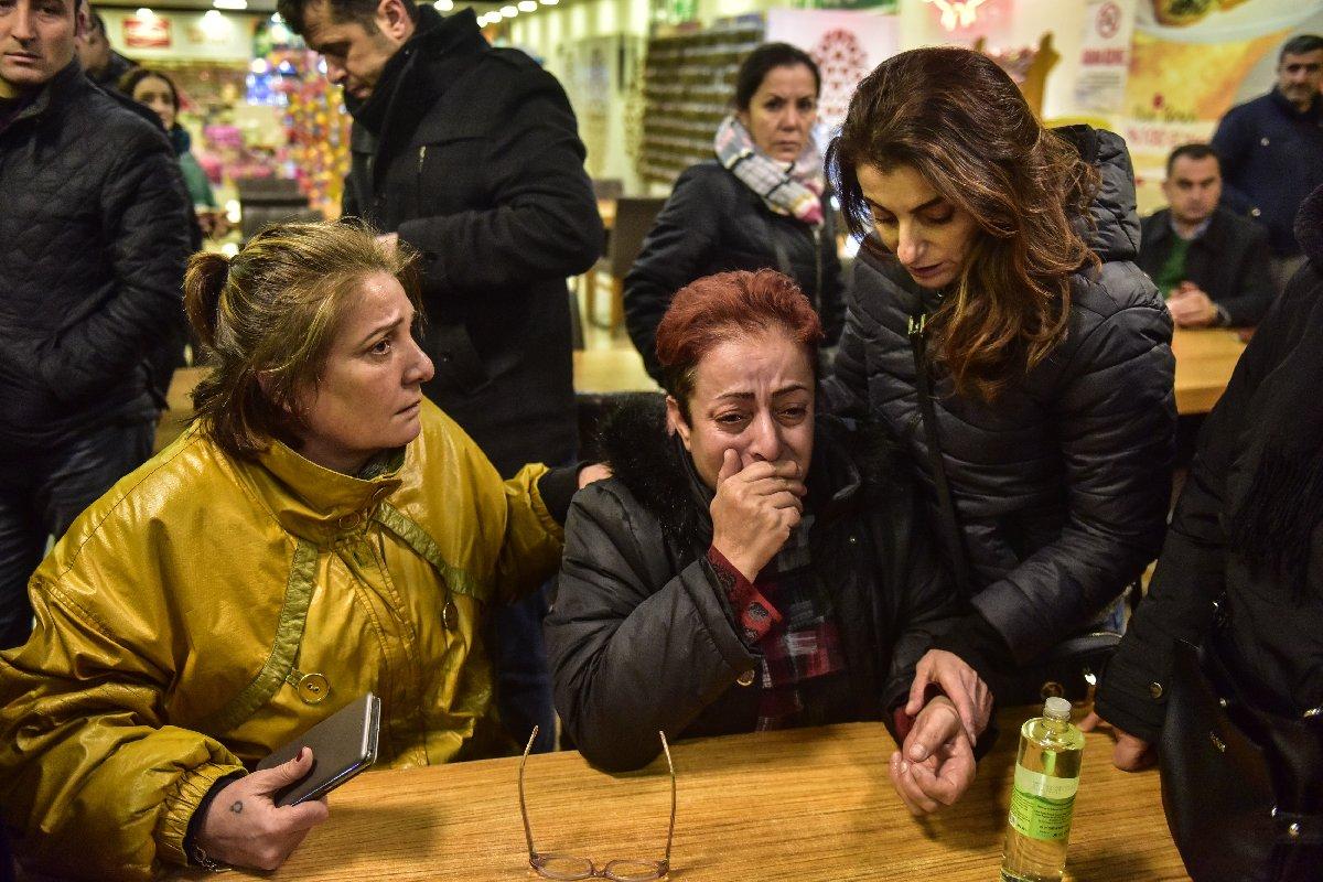 Eren Erdem'in annesi Hüsniye Erdem gözyaşlarına boğuldu. DHA