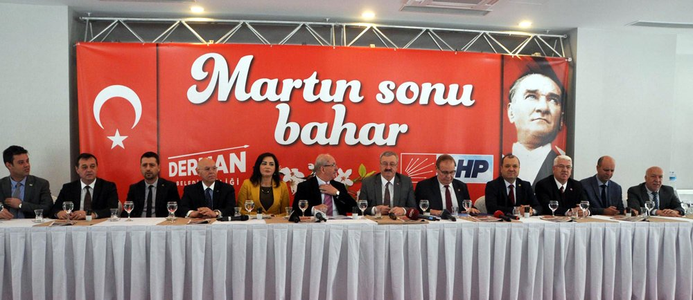 FOTO:DHA - CHP Genel Başkan Yardımcısı ve Parti Sözcüsü Faik Öztrak, Tekirdağ'da partisinin düzenlediği toplantıda çarpıcı açıklamalarda bulundu.