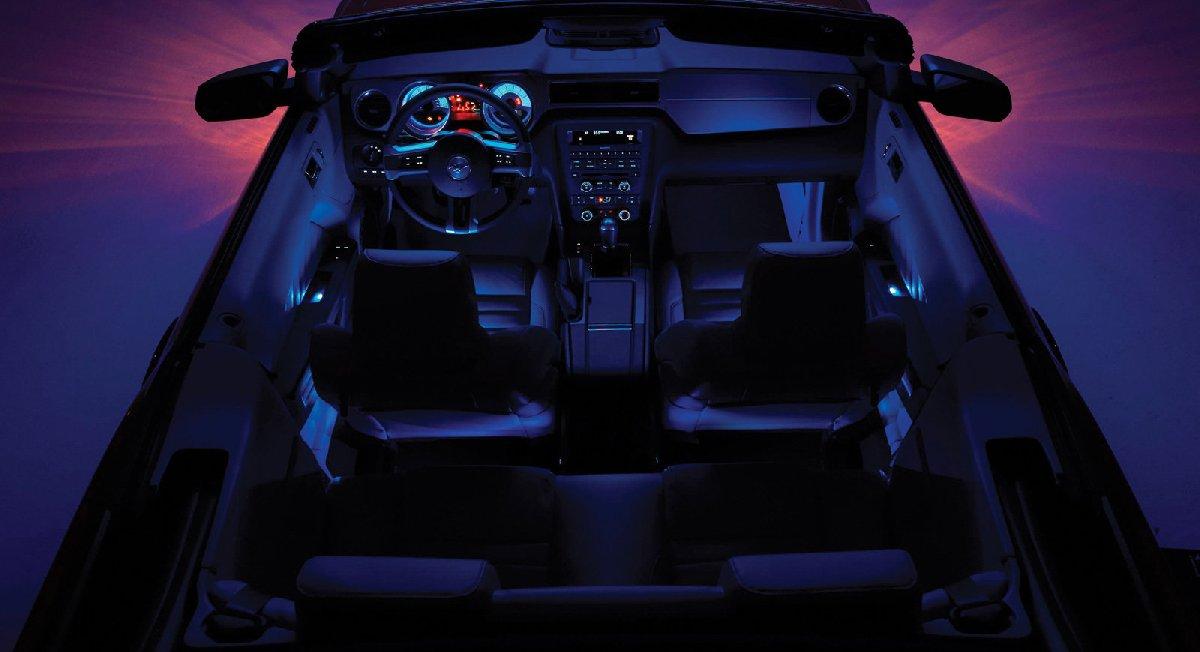 ford-mustang_convertible-2010-1600-09-kopya
