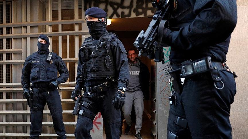 Barcelona'da terör operasyonu! 17 gözaltı