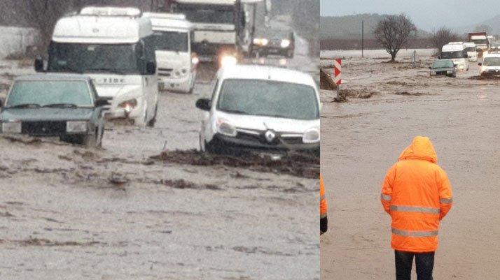İzmir'de sel! Kriz masası kuruldu, köprü yıkıldı