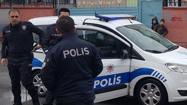 İstanbul'da ortaokulda dehşet: Arkadaşını bıçakladı