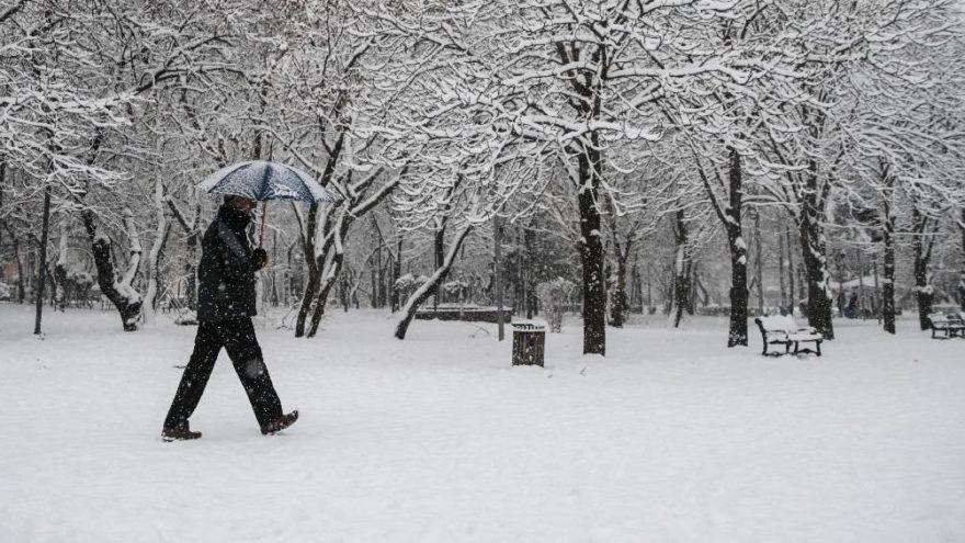 Ankara'da kar tatili beklentisi…. Yarın okullar tatil mi, açıklama geldi mi?