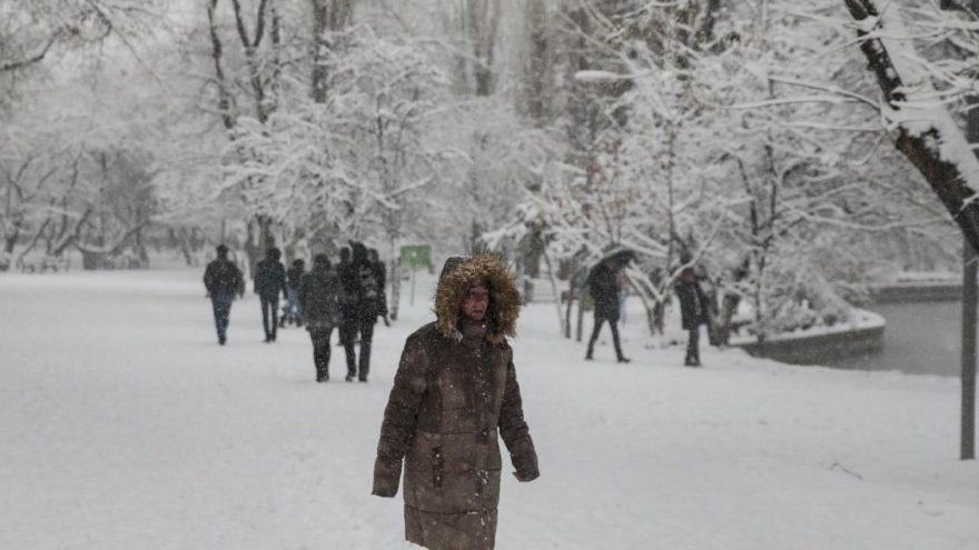 Ankara'da yarın okullar tatil mi değil mi? Valilik yetkilileri açıkladı!