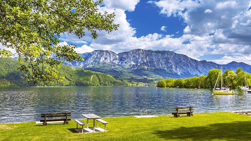 Avusturya'da tablo gibi bir göl: Mondsee