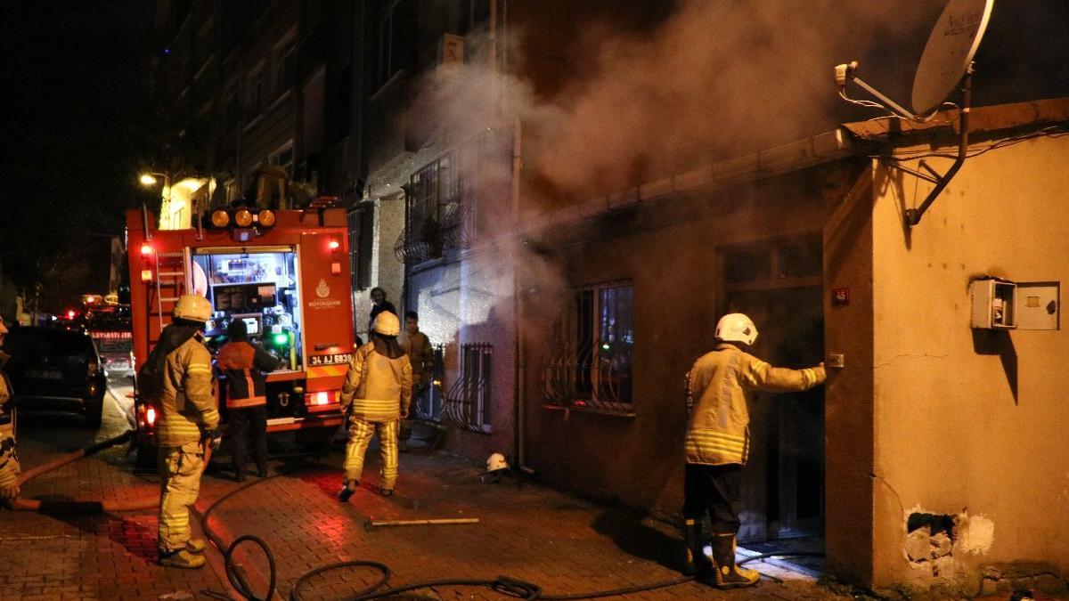 Üsküdar'da korkutan yangın: İki çocuk evde yalnızdı