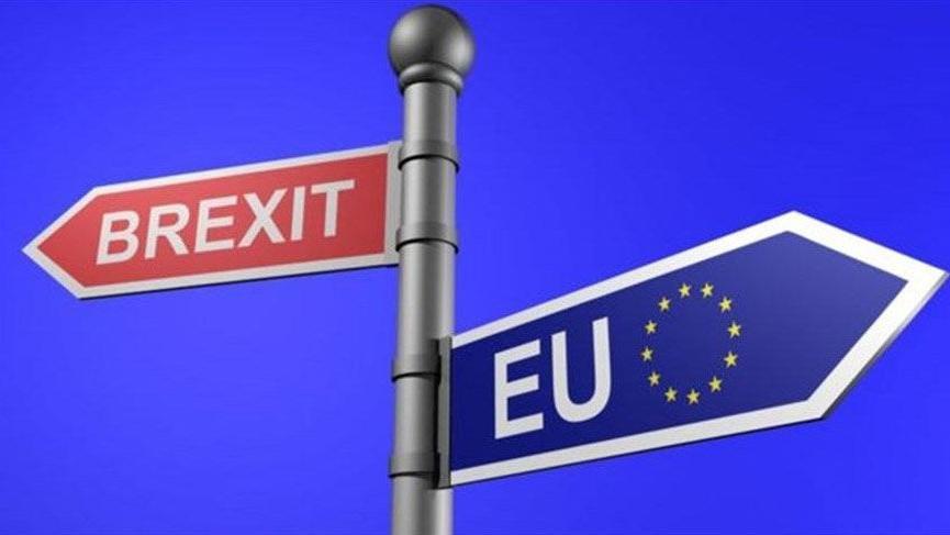 İngiliz parlamentosundan hükümete yeni Brexit darbesi