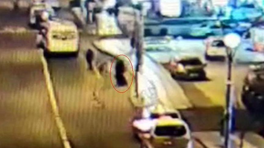 Çarşaflı ve silahlı soyguncuyu taksicinin dikkati yakalattı