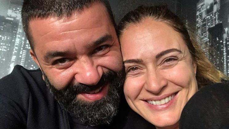 Bülent Şakrak ile Ceyda Düvenci çiftinden düet