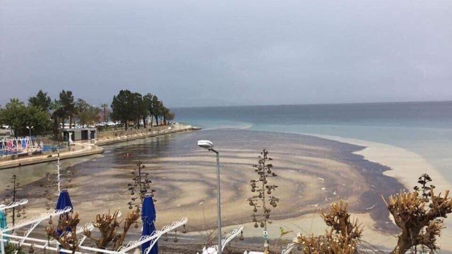 Datça'da denize mazot sızdı erken müdahale faciayı önledi