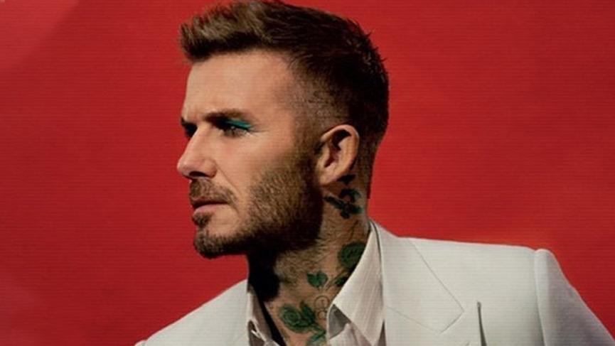 David Beckham Love dergisinin kapağı için makyaj yaptı
