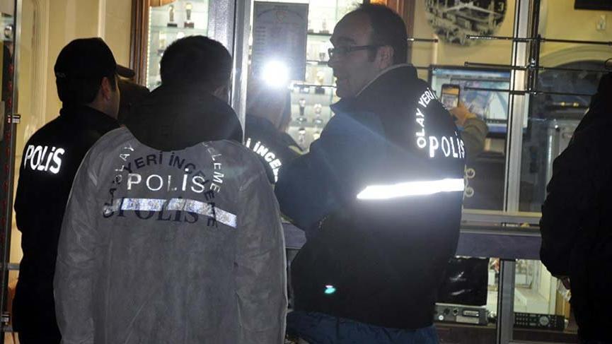 Kuyumcuda dehşet! Polis her yerde onları arıyor