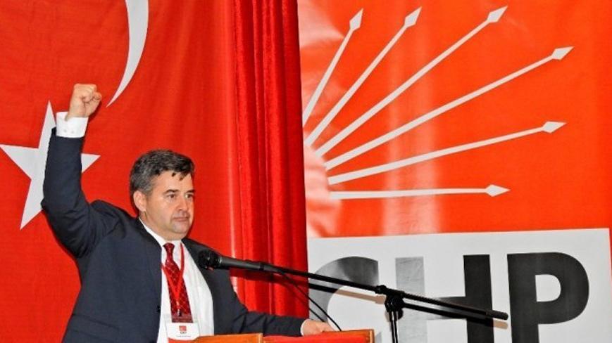 Ekrem Oran CHP Çeşme Belediye Başkan adayı oldu