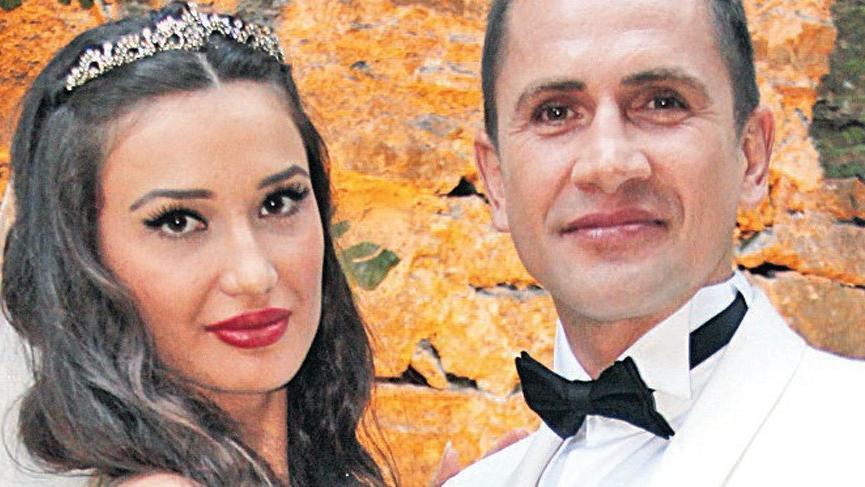 Boşanmak üzere olduğu eşi, eski futbolcu Emre Aşık'ı FETÖ'CÜ diye karakola ihbar etti