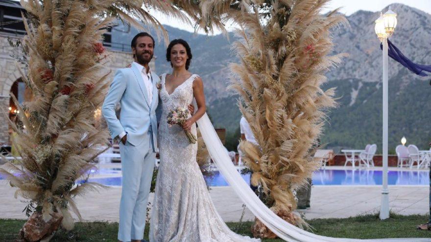 Erkan Kolçak Köstendil'den eşine doğum günü sürprizi