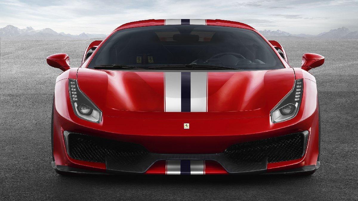 5 milyonluk Ferrari Türkiye'de...