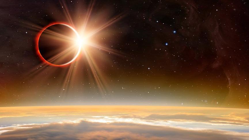 Oğlak burcunda Satürnyen/Plütonyen parçalı Güneş Tutulması