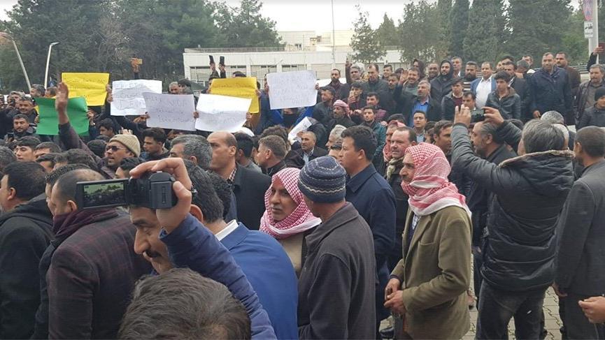Yüzde 98 AKP'li ilçede gerginlik! AKP'liler il binasına yürüdü