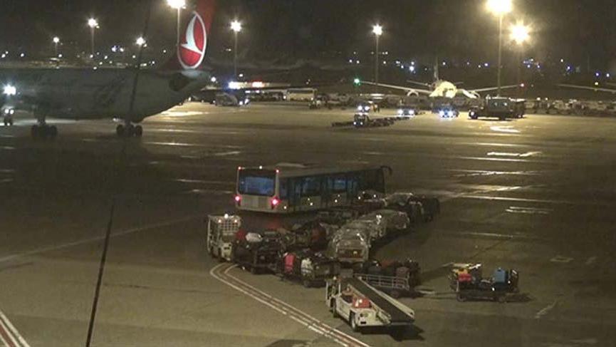 Havalimanına iniş yapan askeri uçak korkuttu!