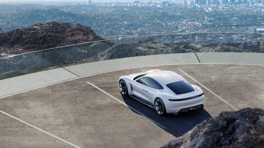 Porsche üretimini arttırıyor!