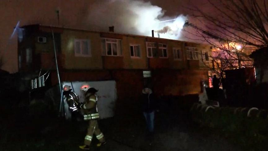 İstanbul'da yangın! 8 kişi kurtarıldı