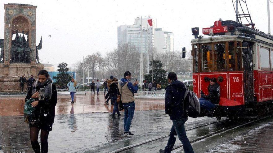 İstanbul kar tatili haberi | Yarın okullar tatil mi? Valilik'ten açıklama var mı?