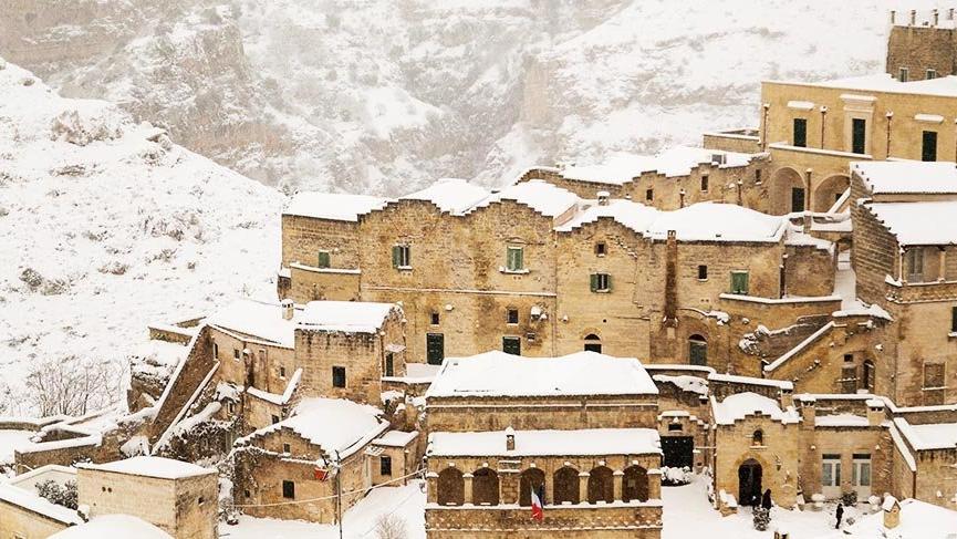 İlk insanların kentine kar yağdı