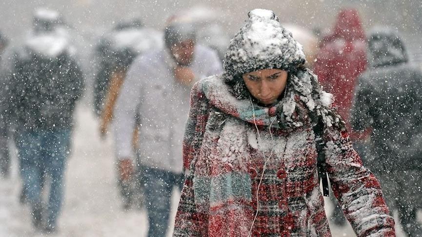 İstanbulda okullar tatil mi? İstanbul bugüne karla uyandı, ne kadar sürecek? İşte İstanbul hava durumu…