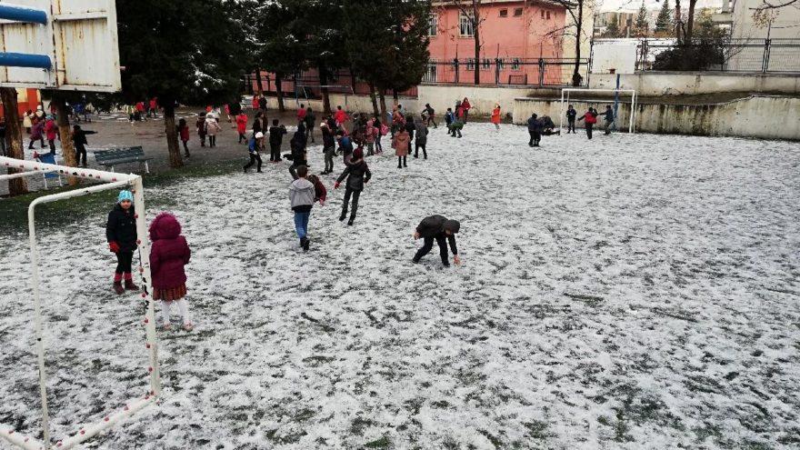 Kahramanmaraş'ta okullar tatil mi? Kahramanmaraş Valiliği'nden 9 Ocak kar tatili açıklaması…