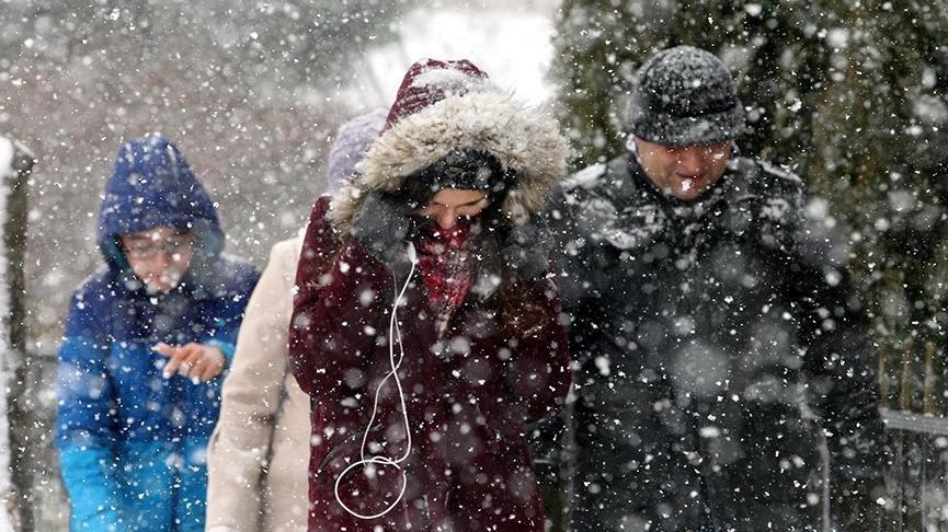 Kocaeli'de İzmit'te okullar tatil mi? Öğrenciler ve velilerin gözü 8 Ocak Kocaeli Valiliği açıklamasında!