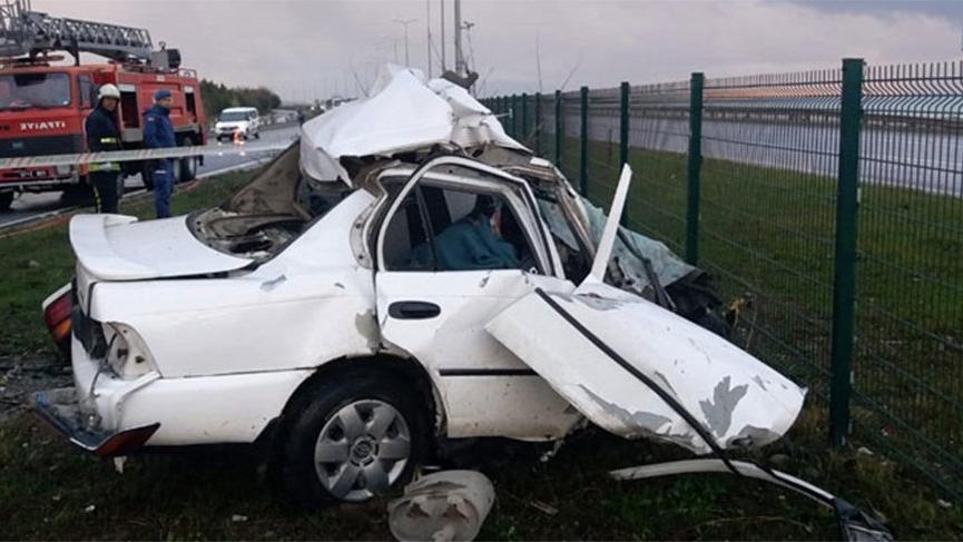 Otomobil köprü ayağına çarptı! karı-koca öldü, oğulları ağır yaralı