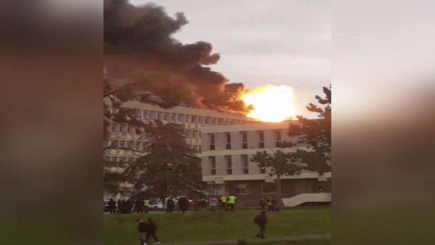 Fransa'da korkutan patlama, bir yaralı var