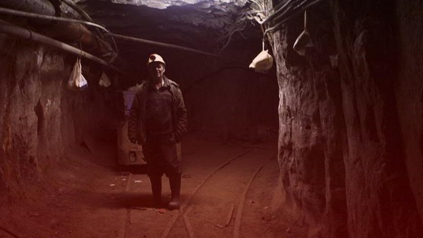 Madendeki trafo patladı 100 işçi mahsur kaldı