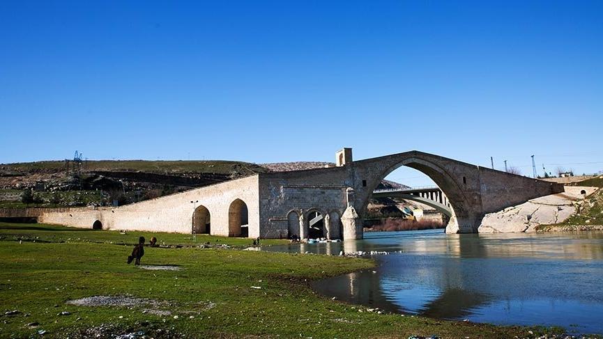 Tarihin eskitemediği Malabadi Köprüsü