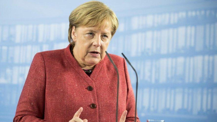Merkel'den Atina'da Türkiye açıklaması: Yakın zamanda olmaz