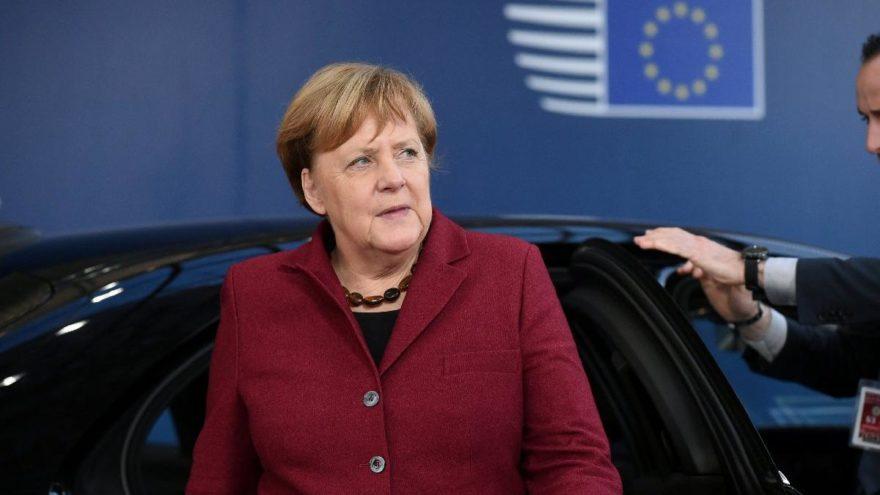 Alman siyasetinde siber alarm! Kişisel bilgileri açığa çıktı