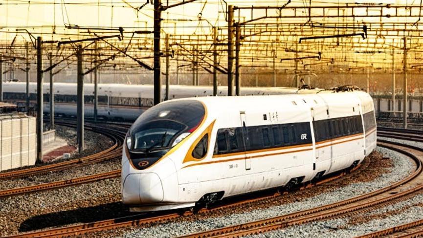 Çin dünyanın ilk 350 km hızla giden otomatik trenini geliştiriyor