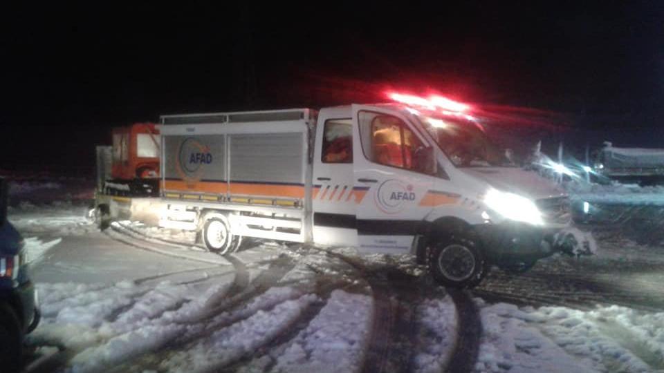 Tokat'ta kaçak kazı yaparken mahsur kalan 1 kişi öldü, 3 kişi kurtarıldı