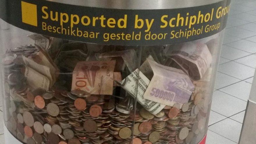 Tedavülden kalkan 500000 lira, Afrikalılar için bağışlandı