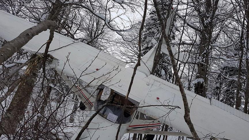 Kocaeli'nde eğitim uçağı düştü: Yaralılar var